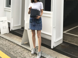 CHA* tweed knit skirt